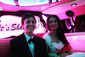 School Balls Perth require a prima Limos Perth Pink Hummer service for such a prestigious event. A rite of Passage for high school students.